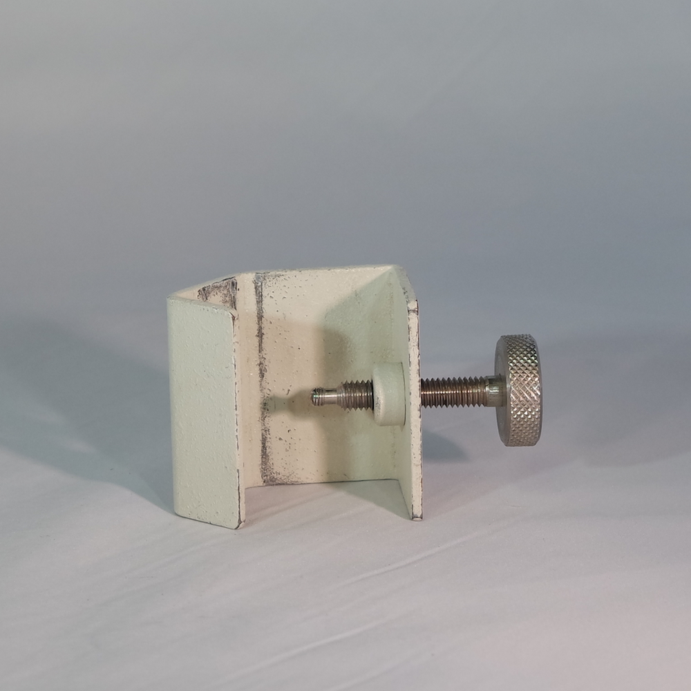 Read more about the article Medfusion 2000 series Old Style Pole Clamp